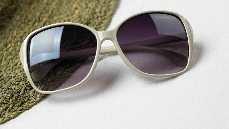 여름철,-올바른-선글라스-선택법